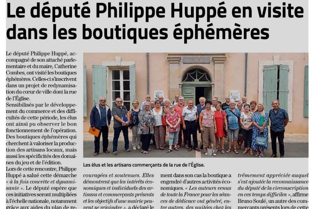 Saint-Chinian :  Le député Philippe Huppé en visite dans les boutiques éphémères